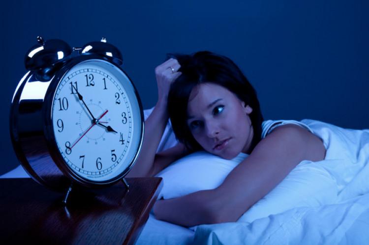 В чому причина безсоння? Або постійний вплив синього світла