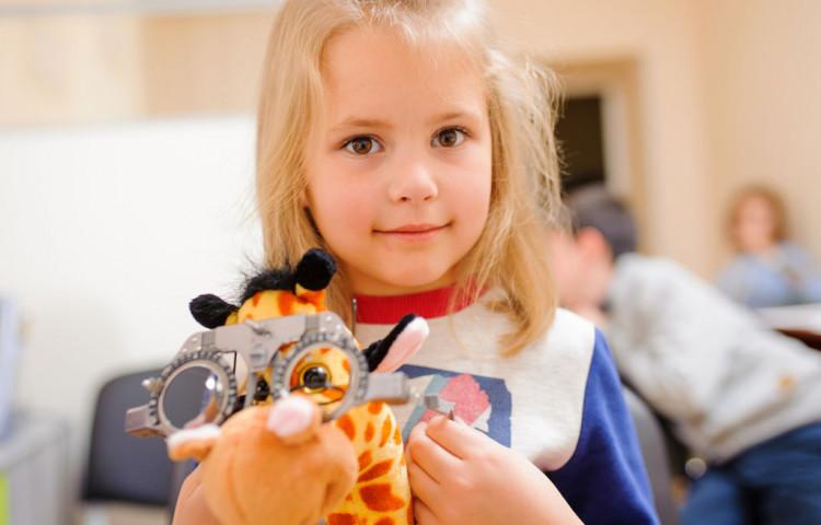Астигматизм у дітей. Чи варто хвилюватися?