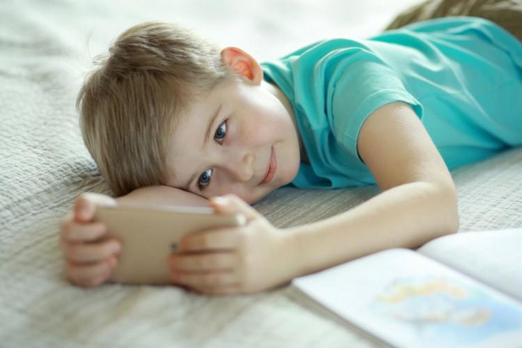Как сохранить зрение ребенка: топ 5 полезных советов
