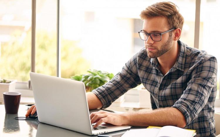Офисные очки - спасение от пресбиопии?